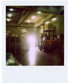 倉庫の中から1